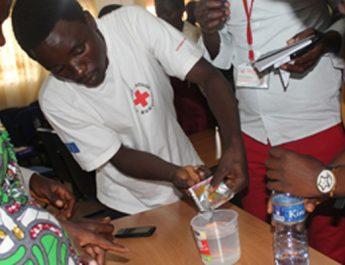Une formation pour les opérateurs des points de réhydratation orale en vue de renforcer la réponse communautaire au choléra