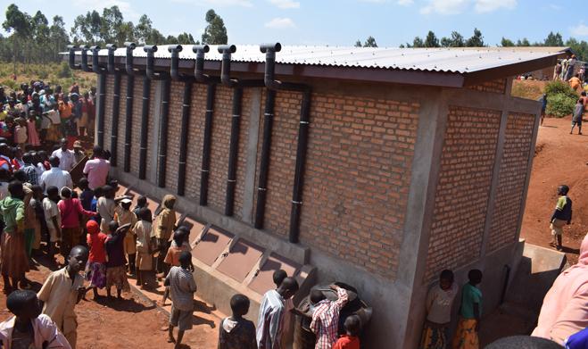 Gitega : Trois écoles bénéficient de la part de la Croix-Rouge, des latrines types Ecosan